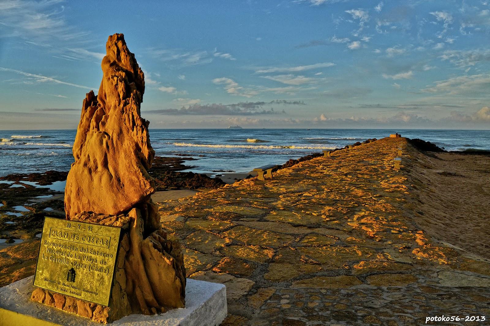 La Piedra y el Espigón Muelle de Rota