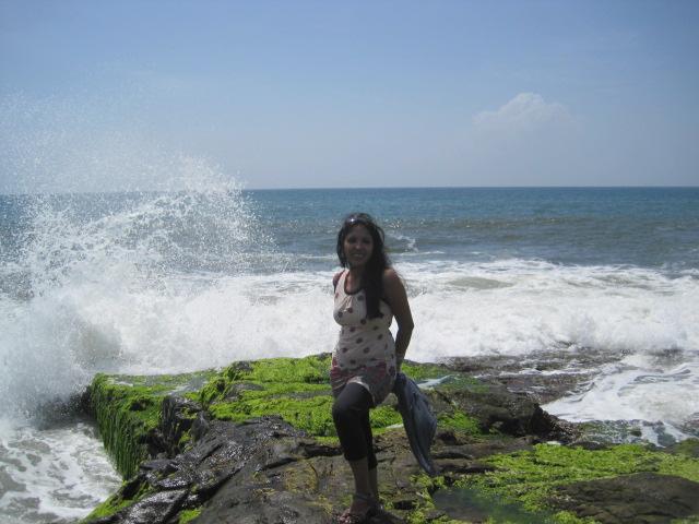 Malvan India  City pictures : Capturing the waves at Rock Garden, Malvan