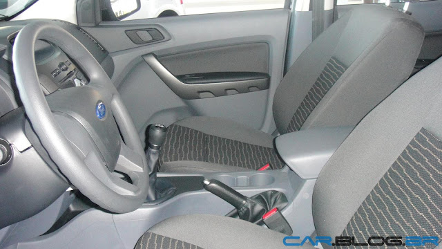 Nova Ranger XLS Flex Cabine Dupla 2013 - interior