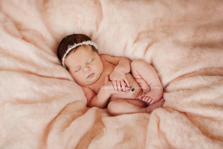 artystyczne zdjęcia noworodków, sesje zdjęciowe noworodkowe, fotografia dziecięca,  zdjęcia dzieci, sesja dziecka Poznań