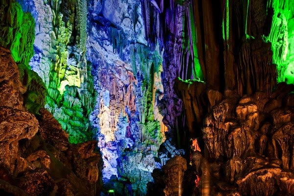 An Underground Fairyland in China- Reed Flute Cave   EXPLORE