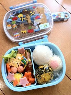 嫁が息子の幼稚園の遠足でお弁当を作る
