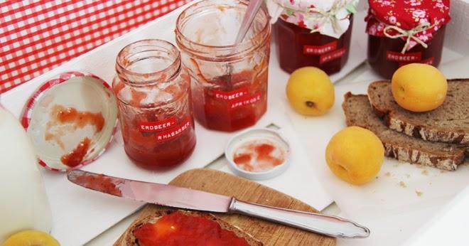piepmatz rezept erdbeer rhabarber marmelade und erdbeer aprikosen marmelade. Black Bedroom Furniture Sets. Home Design Ideas