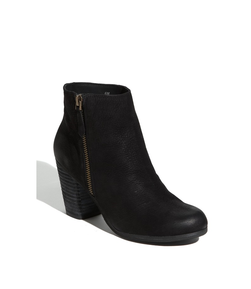 black ankle boot comfy must have wardrobe staples for fall