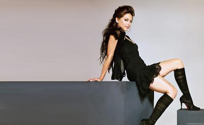 Kristin Kreuk Spicy Actress Wallpaper