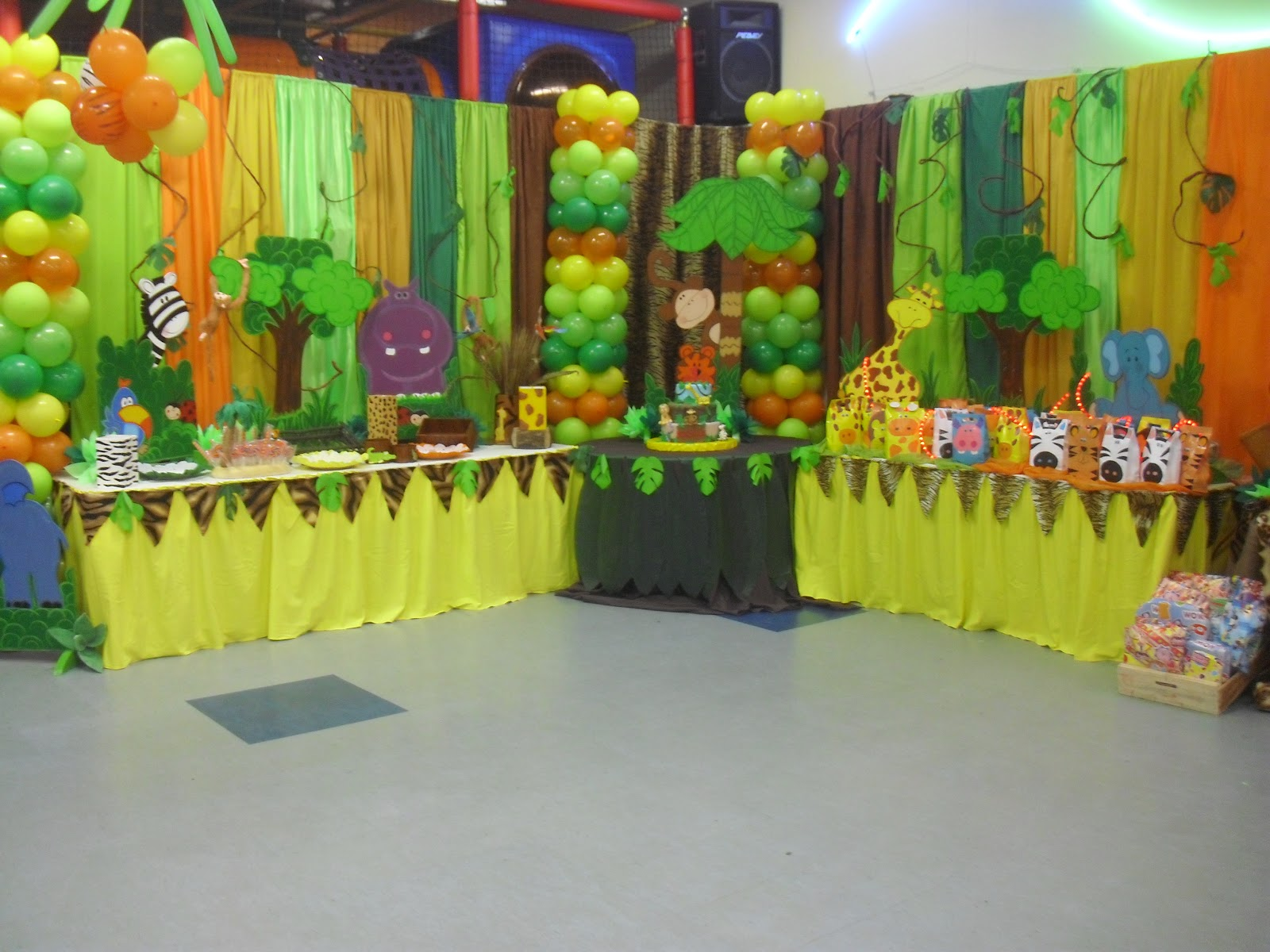Ursula newman eventos fiesta infantil safari - Decoracion para fotos ...