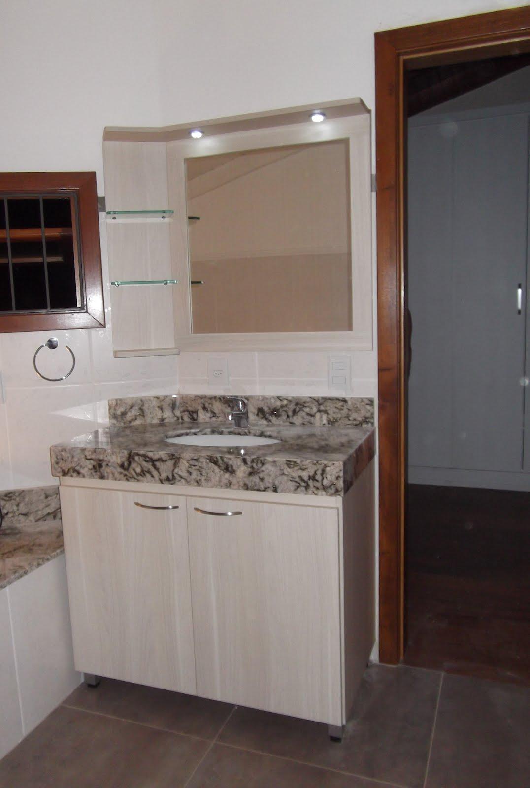 : Banheiros em MDF Lipari Champagne 18mm e MDF Noce Mare 18mm nichos  #5E4338 1076 1600