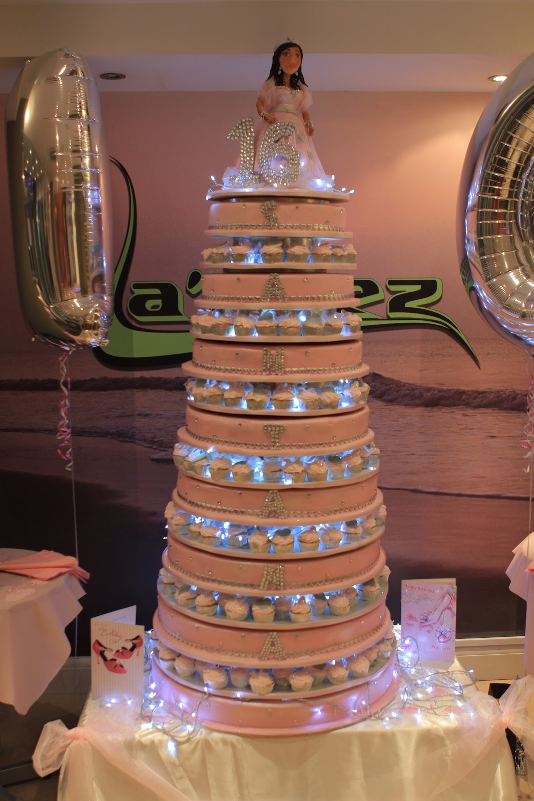 Big Wedding Cake Images : Josie s Juice:  Big Fat Gypsy Weddings : Season Two - On ...