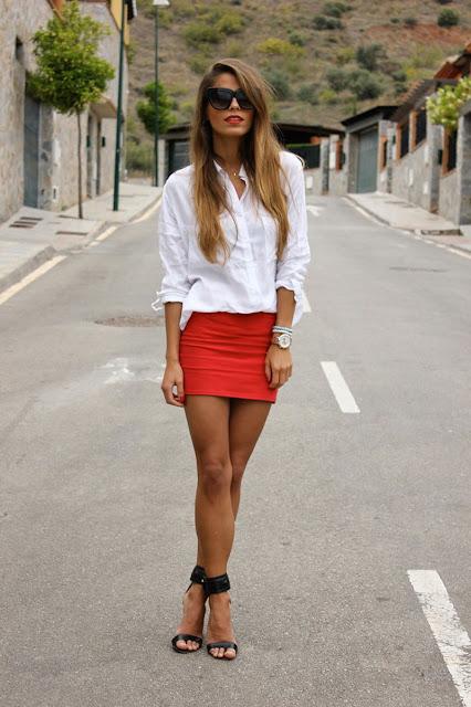outfit camisa blanca y falda
