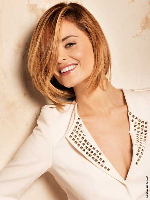 10 Latest Short Straight Haircuts for Round Faces