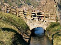 Pontarró a tocar de l'antiga carretera de Manresa a Berga