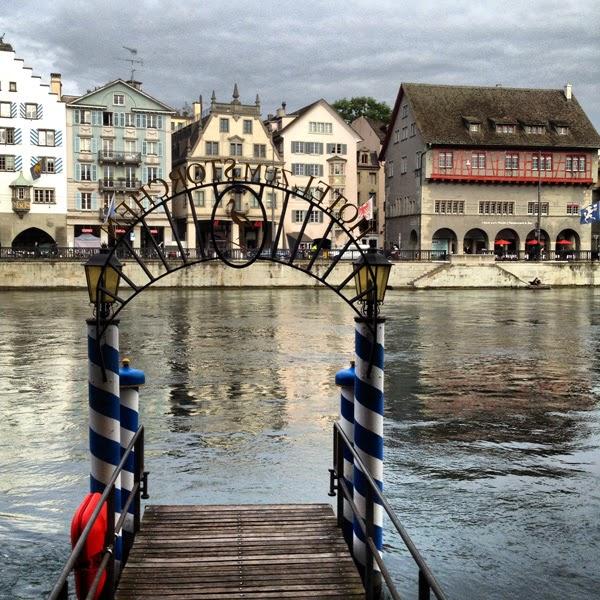 Zürich Limmat See Schweiz Hotel zum Storchen