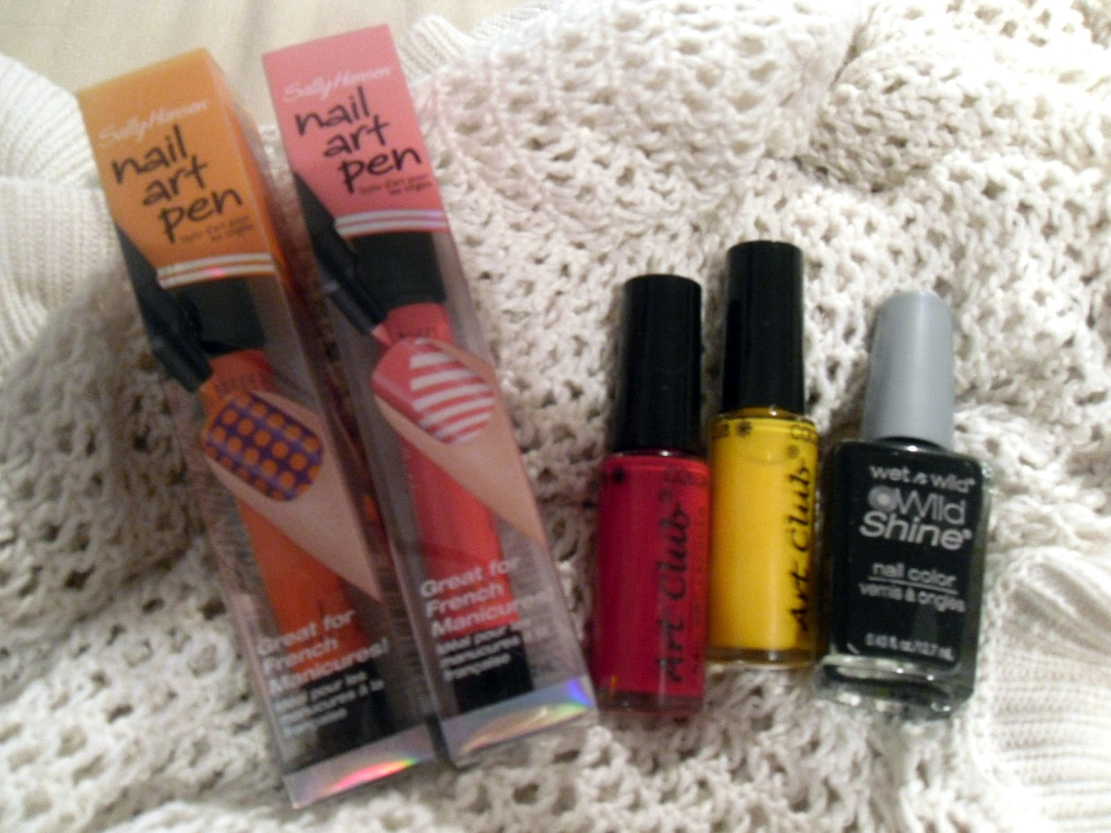Nail DIY: How to Do a Mosaic Manicure - College Gloss