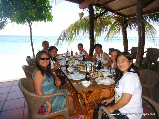 family_dining at Alona Tropical Beach Resort Bohol