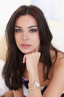 perempuan arab paling cantik di dunia nadine njeim
