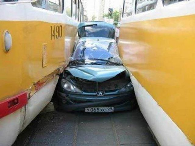 Crazy Car Accidents Seen On www.coolpicturegallery.us