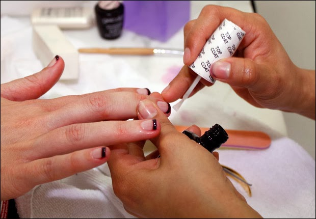 Finish-Off-With-Clear-Polish-French-Manicure
