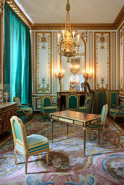 The Cabinet Doré of Marie-Antoinette, with the desk made by Jean-Henri Riesener in 1783. Seats by Georges Jacob.