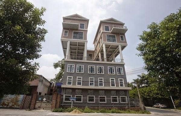 Ngôi nhà hai phần