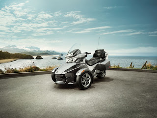 2012 Cam-am Spyder RT Audio and Convenience