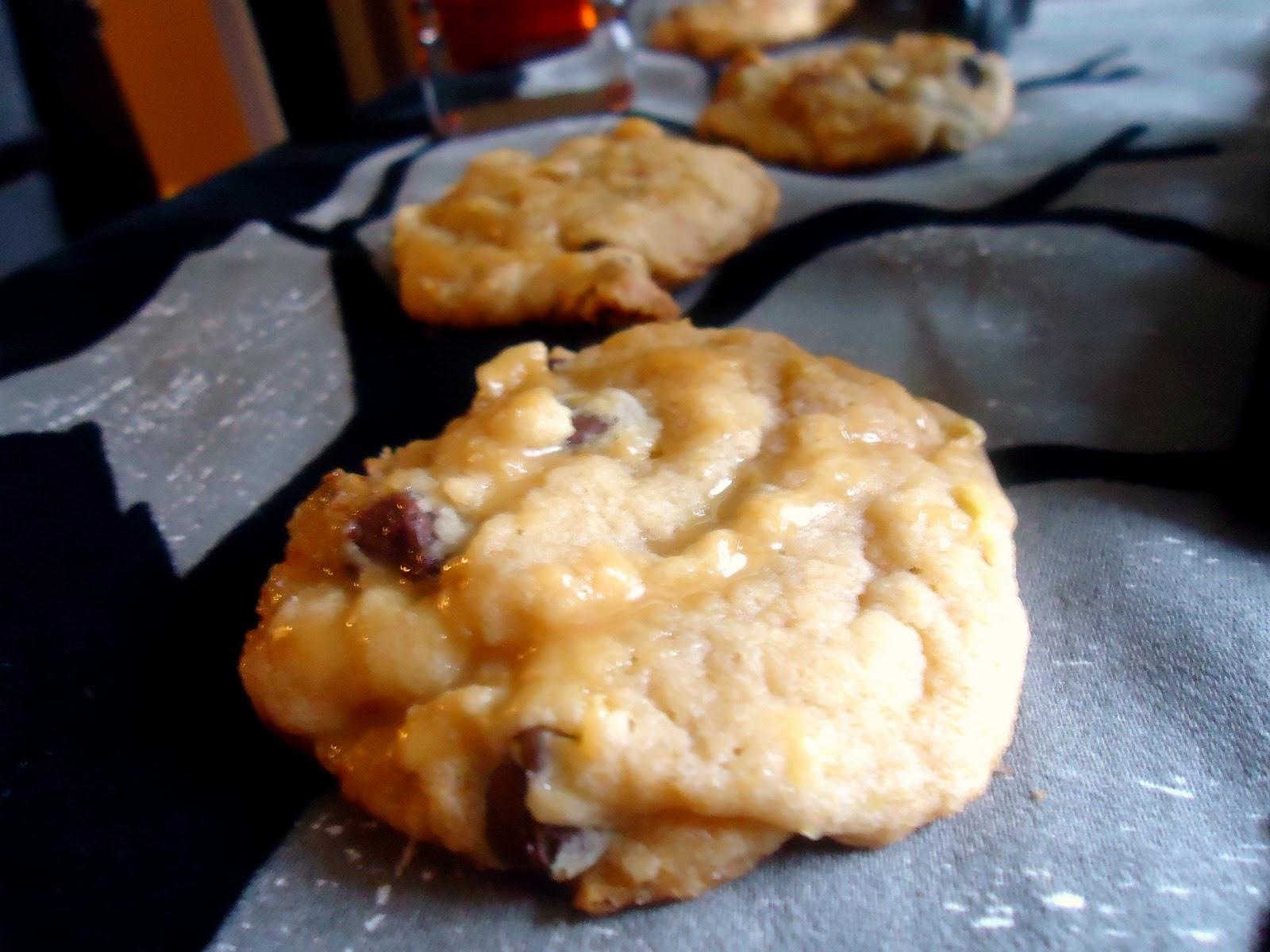 Still Lucky: Chocolate Chip Caramel Apple Cookies
