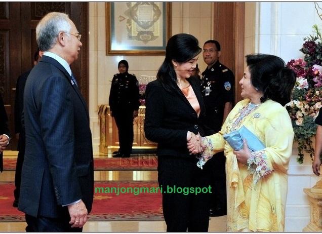 Amboi-amboi Najib. Siam mali tatak sombong ma