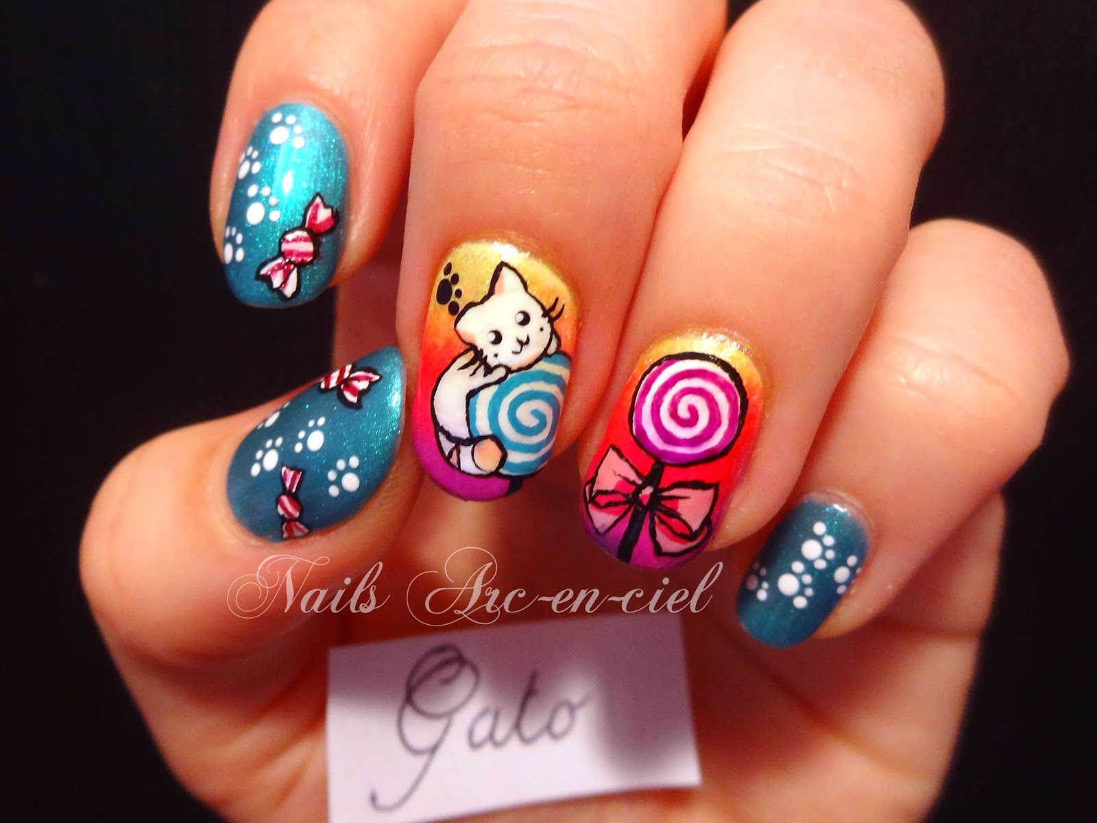 http://nails-arcenciel.blogspot.fr/2014/07/chat-gourmand.html