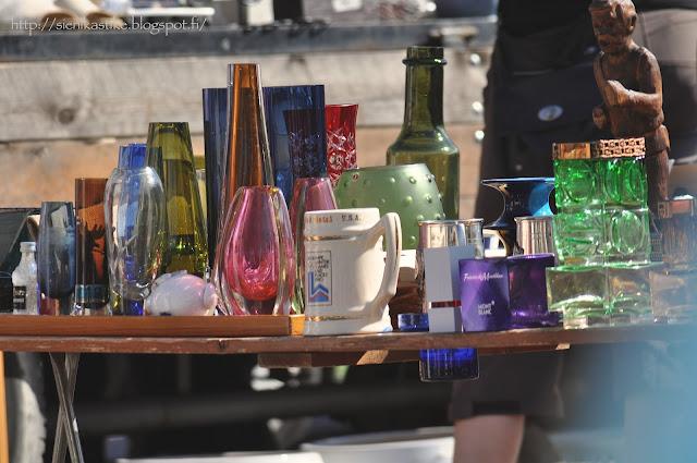 astait, lasit, maljakko, maljakot, vase, colourful glass, dishes