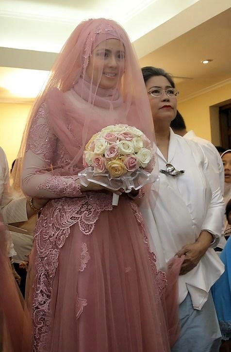 gaun pengantin muslimah risty tagor