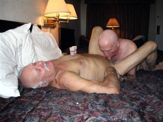 Gay Mature Blowjob 85