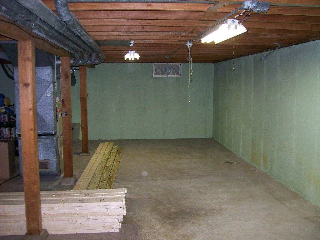 unfinished basement ceiling ideas instant knowledge. Black Bedroom Furniture Sets. Home Design Ideas
