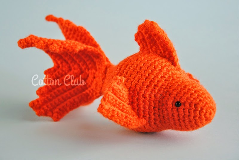 Cotton Club Pesce rosso amigurumi