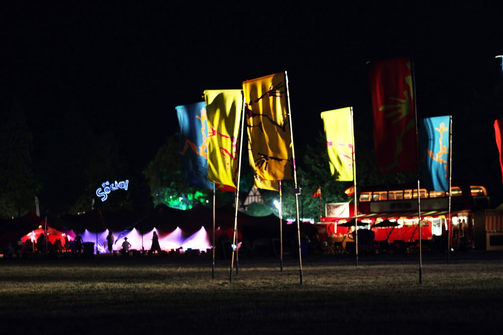 flag circle, Larmer Tree