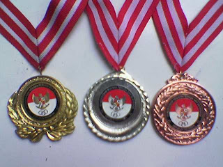medali atlet renang