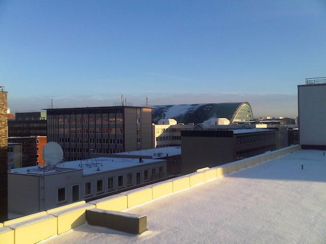 Hammerbrook - Dächer schneebedeckt - im Hintergrund der Berliner Bogen