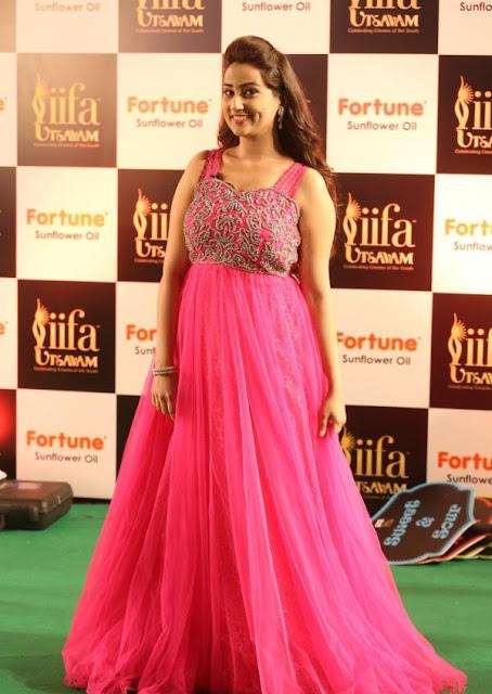 Manjusha Photos at IIFA Utsavam Awards 2016
