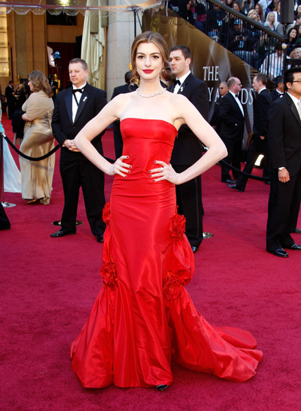 Anne Hathaway Oscars Red Carpet Dresses 2011