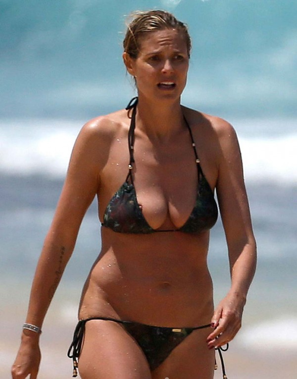 heidi klum boobs poping out of bikini top etc hot photos. Black Bedroom Furniture Sets. Home Design Ideas