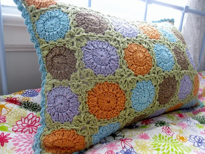 Crocheting In A Circle : This circle in square pillow can be found on Craftsy.com under Modern ...