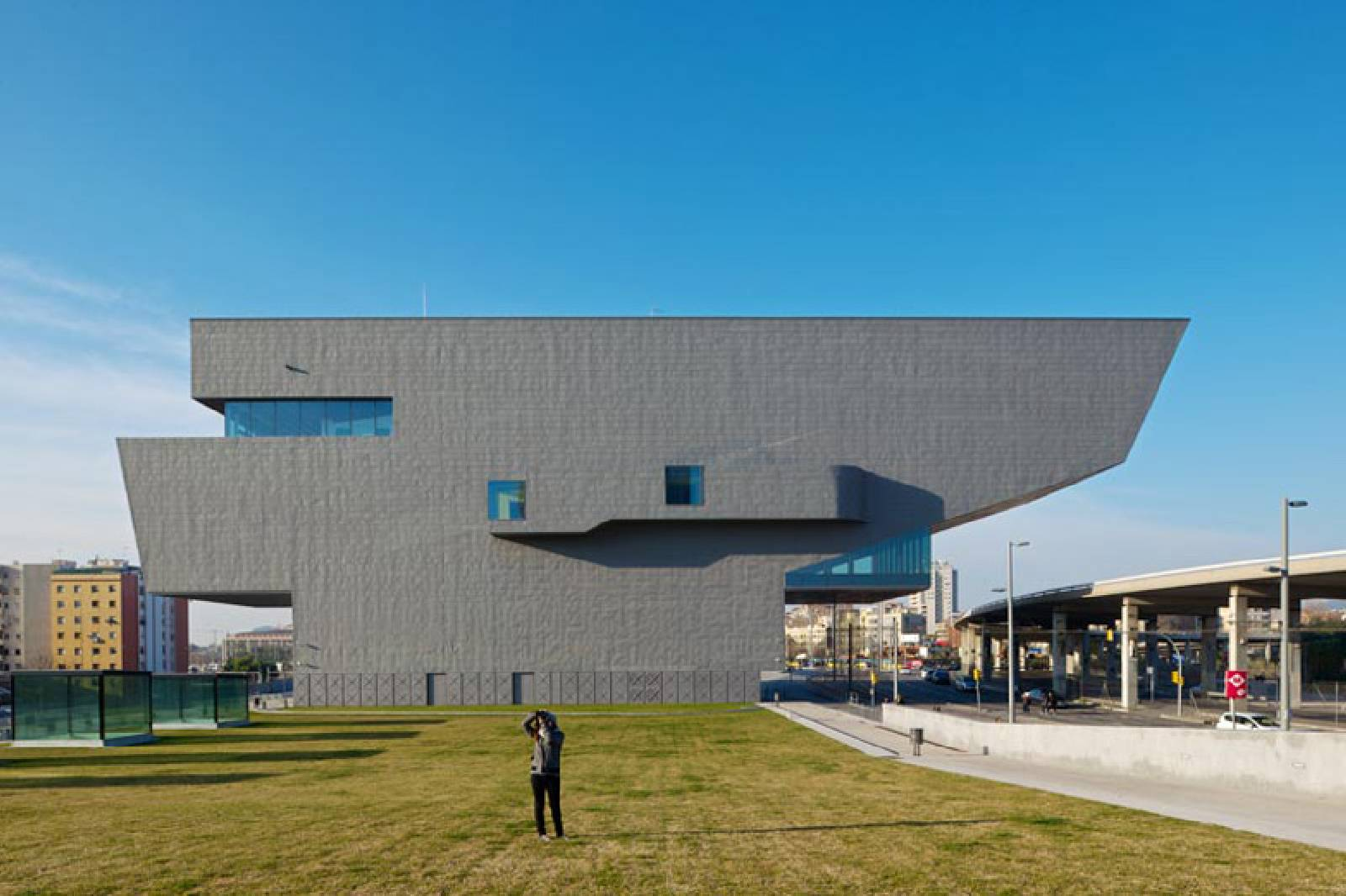 dhub design museum barcelona by mbm arquitectes a as