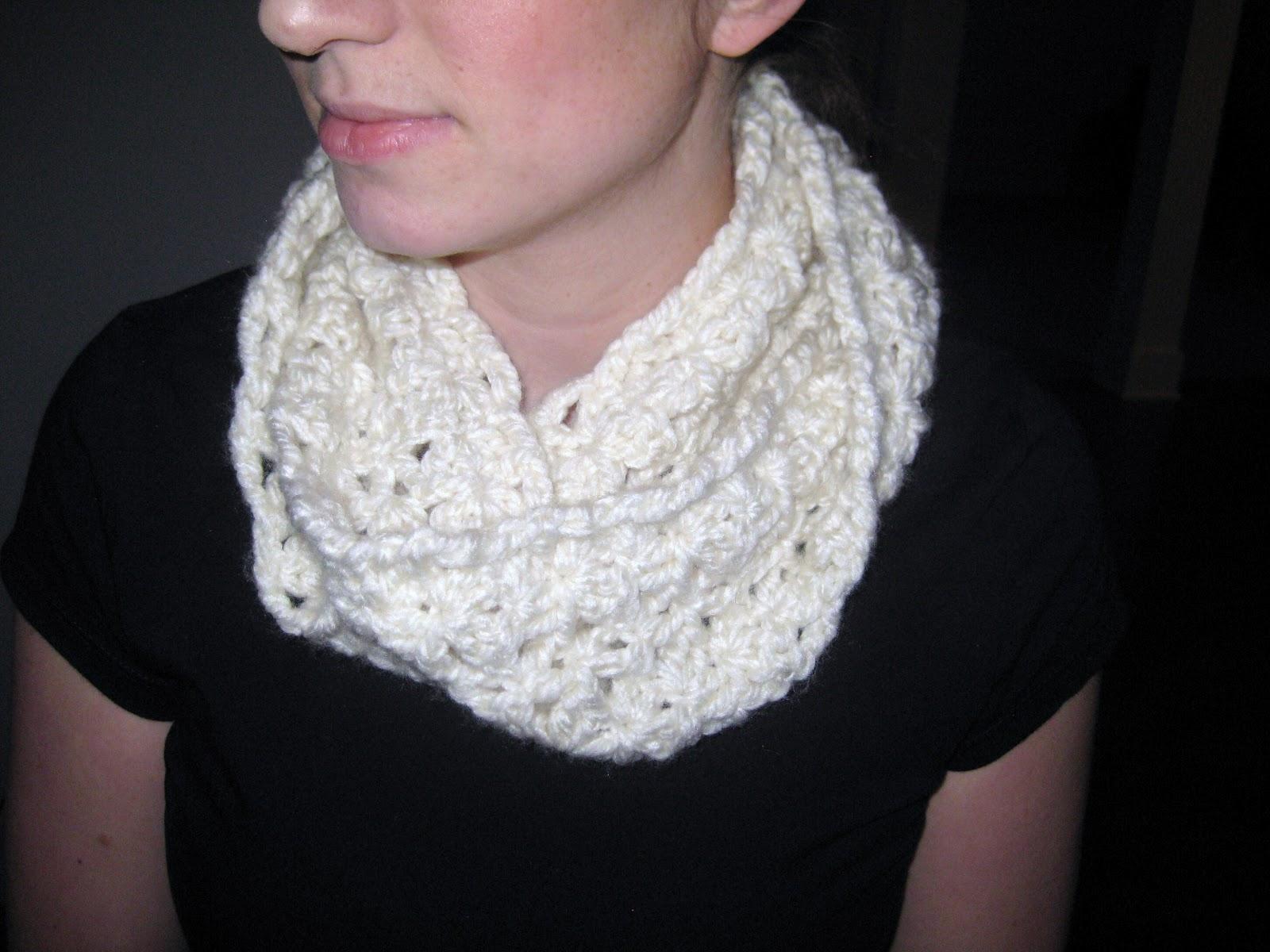 Free crochet pattern chunky infinity scarf manet for crochet chunky infinity scarf patterns bankloansurffo Choice Image