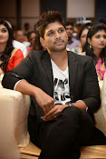 Allu Arjun Stylish Photos-thumbnail-4