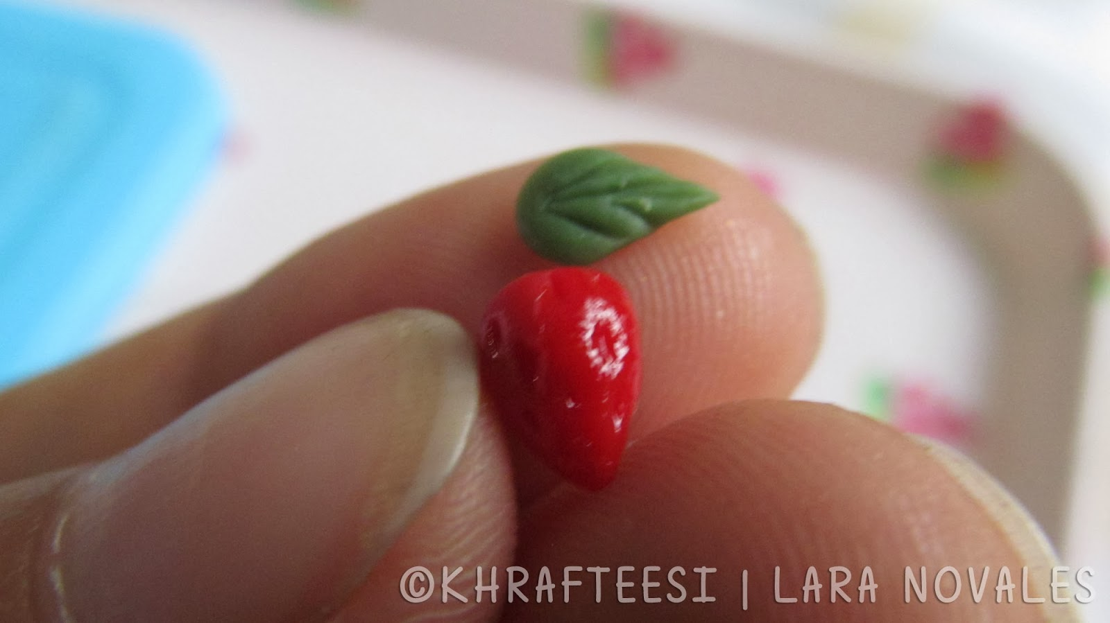 cold porcelain clay mini straberries and leaves 2