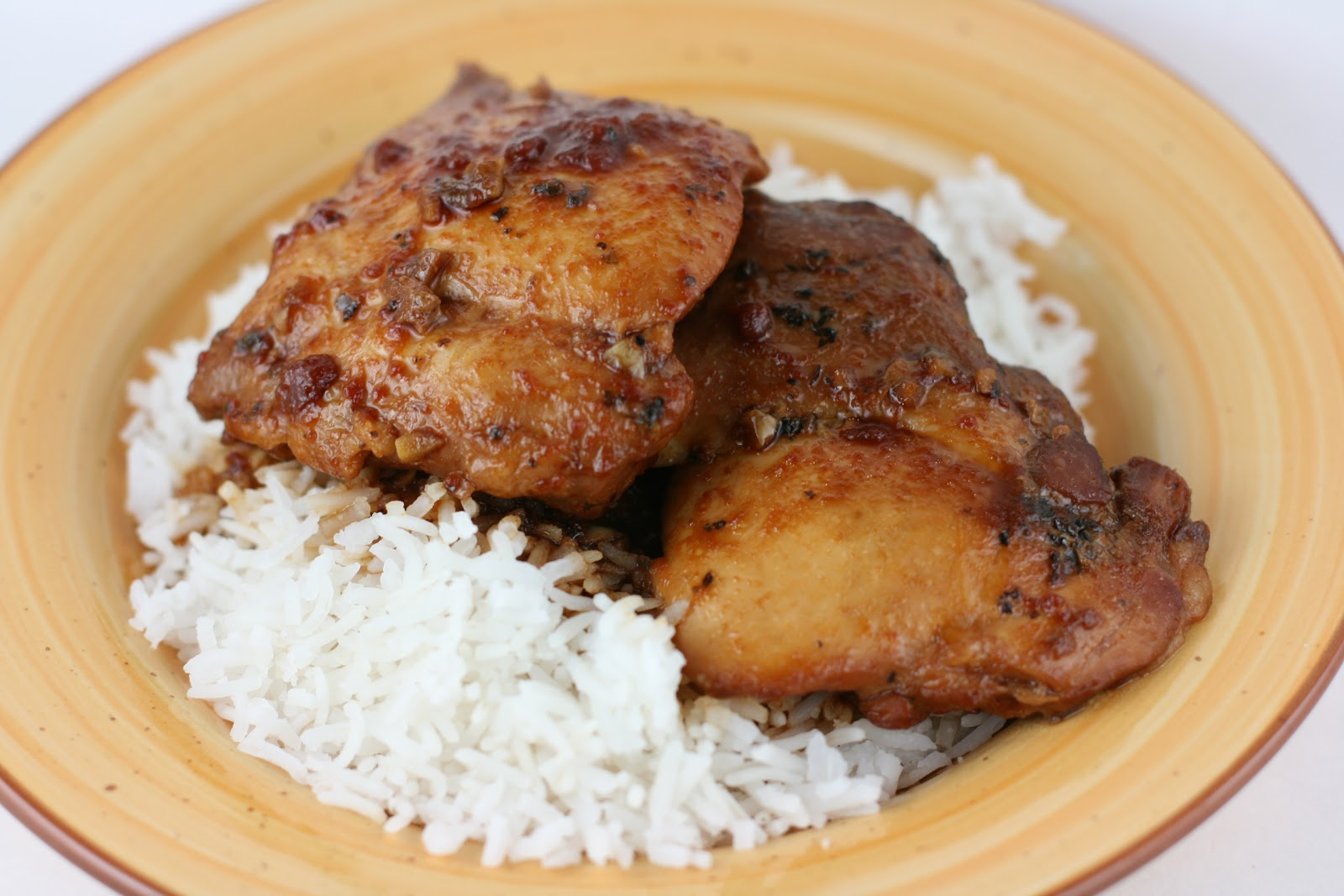 Honey garlic chicken slow cooker recipe a year of slow for Cooking chicken thighs in crock pot