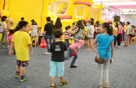 JOLLITOWN FUNTASY LAND IN DAVAO