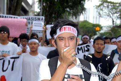 Biodata Penuh Mahasiswa Biadap !   POLITIK HARIAN