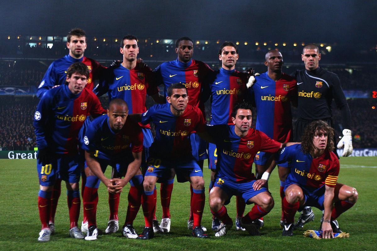 http://1.bp.blogspot.com/-10-EguwKpRE/Tahh-C5LHRI/AAAAAAAAAVY/2rYb5-3XPKI/s1600/FC+Barcelona+Football+Wallpaper.jpg