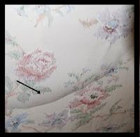 Πώς αφαιρούμε τις φουσκάλες αέρα που εμφανίζονται στις ταπετσαρίες του τοίχου;