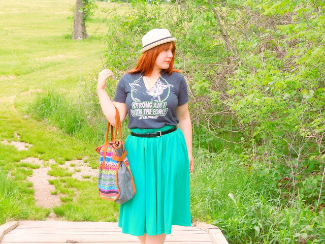 Boho Fan Girl Outfit Post: Graphic Tee with cotton skirt and sandals. #Fashion #StarWars