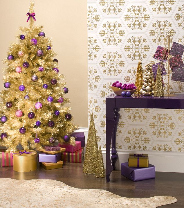 Gallery for black gold christmas wallpaper - Is purple a christmas color ...